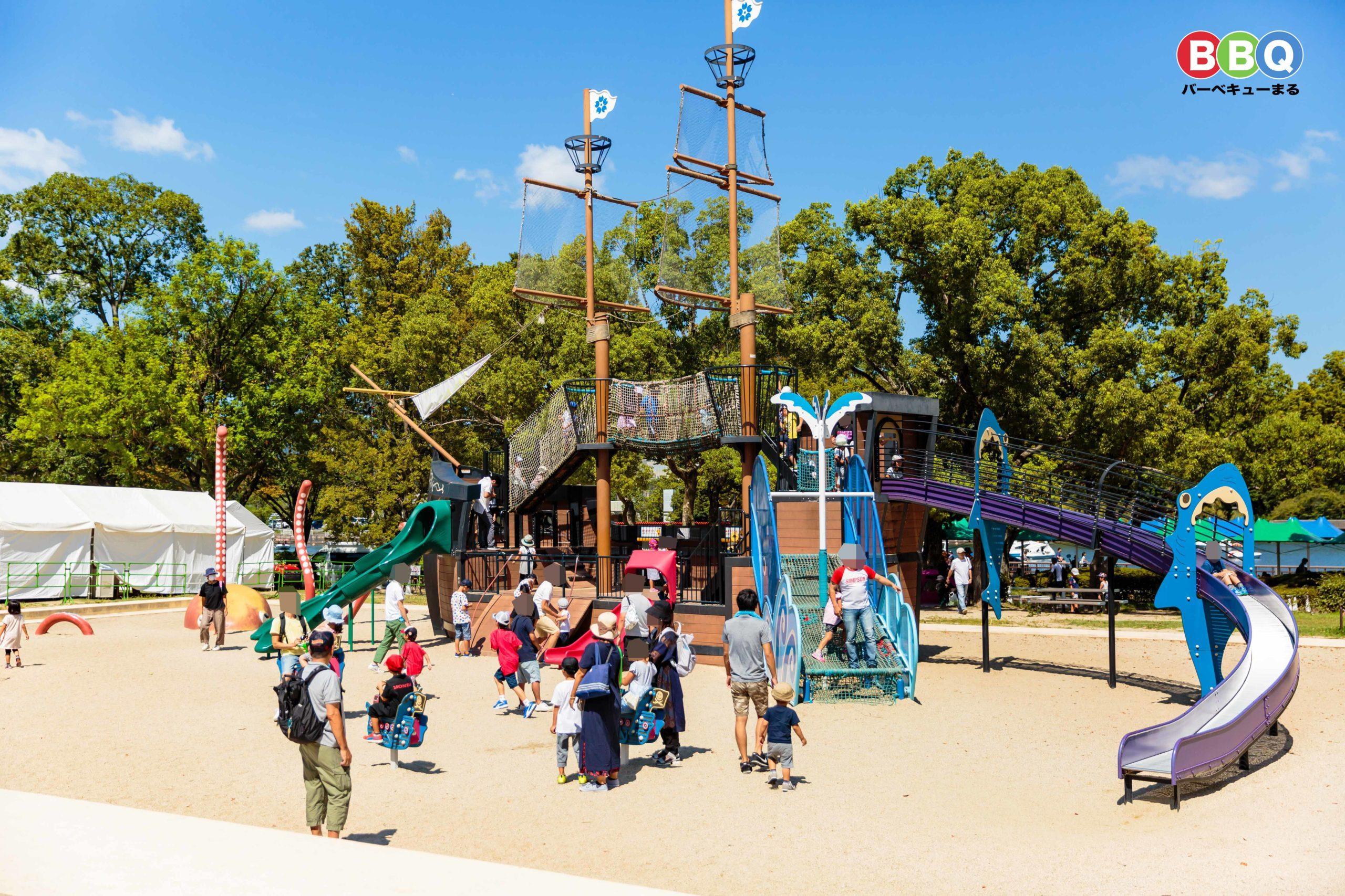 万博記念公園、船の遊具「エキスポみらいgo!」