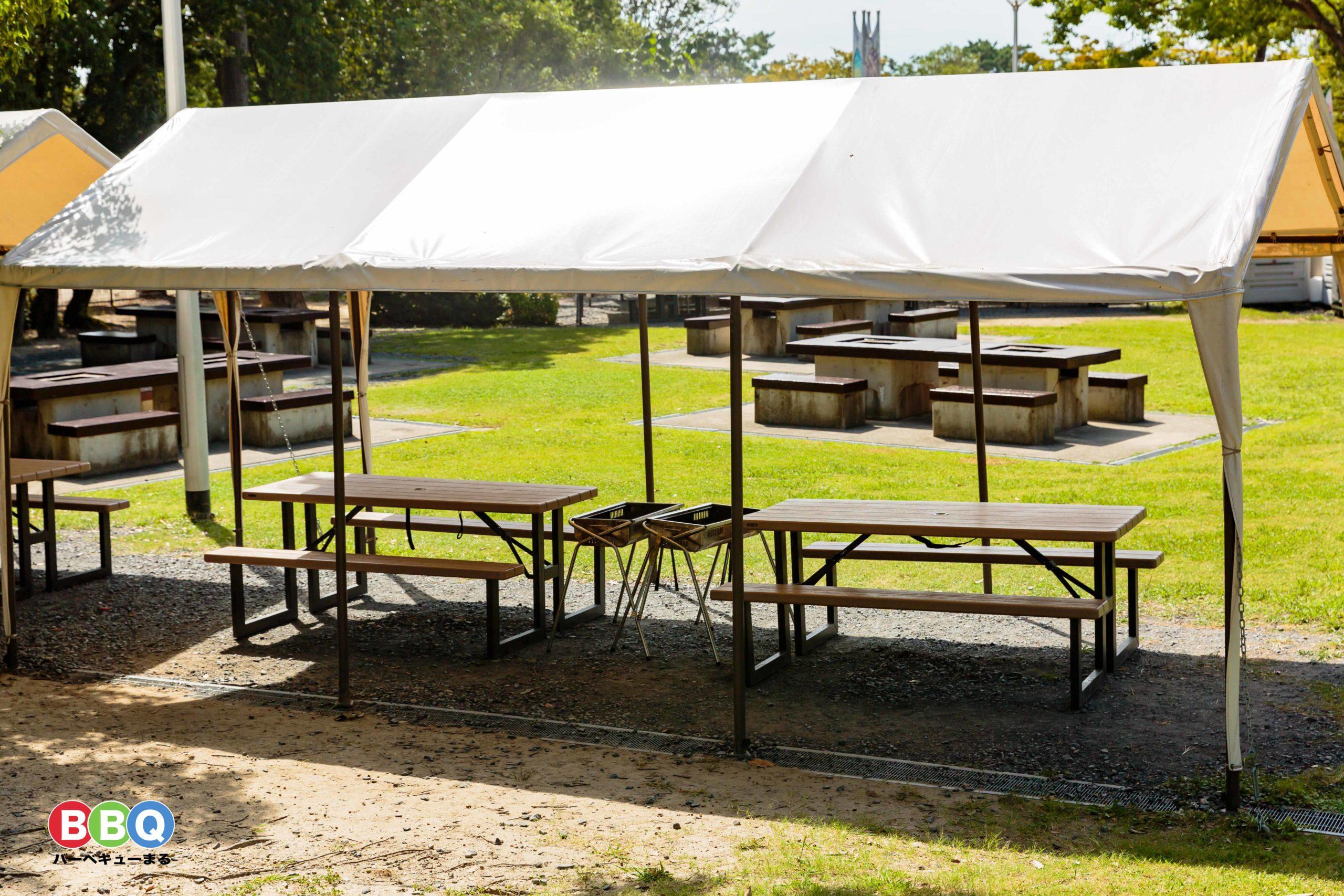 服部緑地バーベックマルシェのテント席
