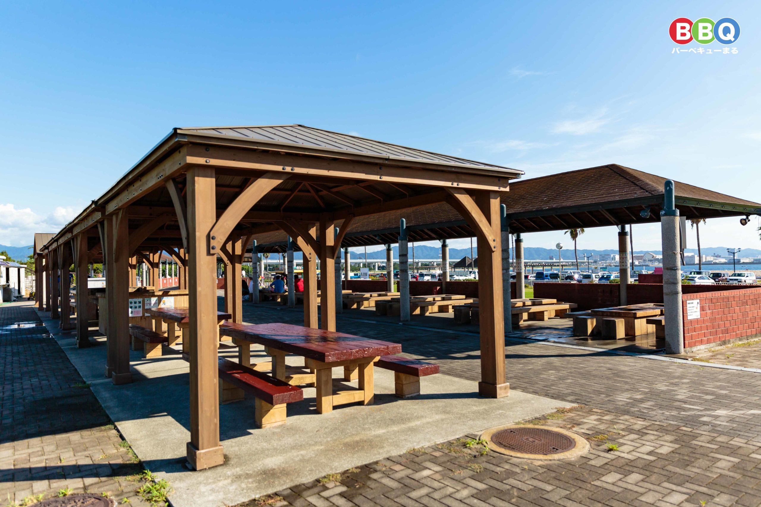 二色の浜公園海浜緑地有料BBQ施設テーブル