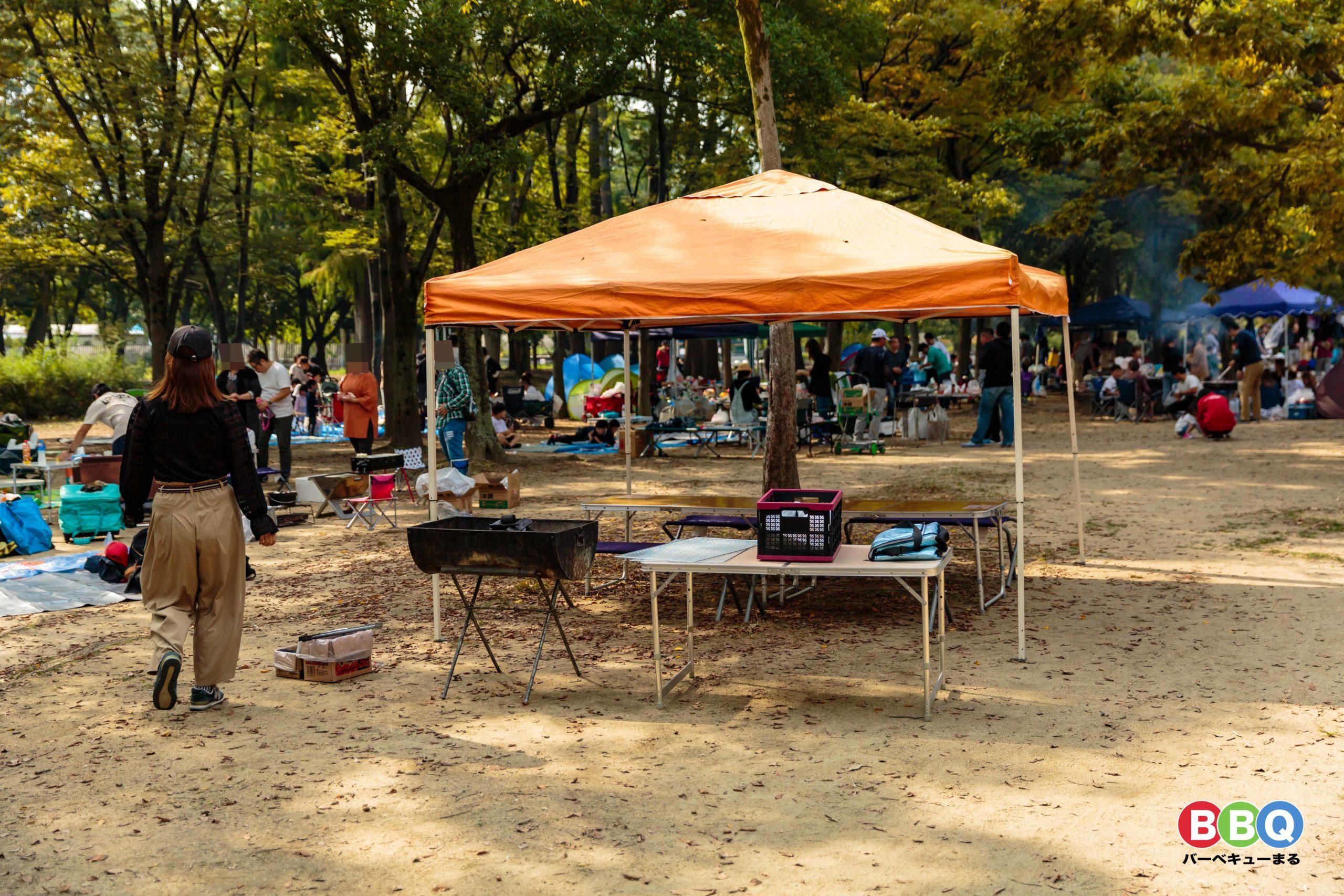 久宝寺緑地公園バーベキューエリア無人の場所取り