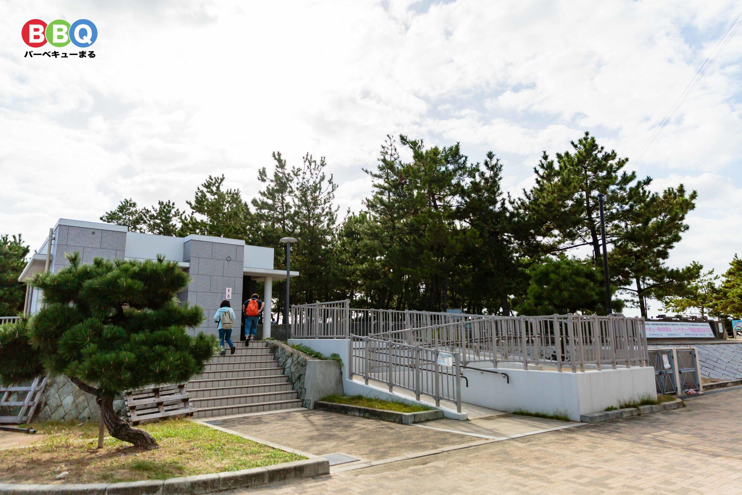 林崎松江海岸の東側のトイレ