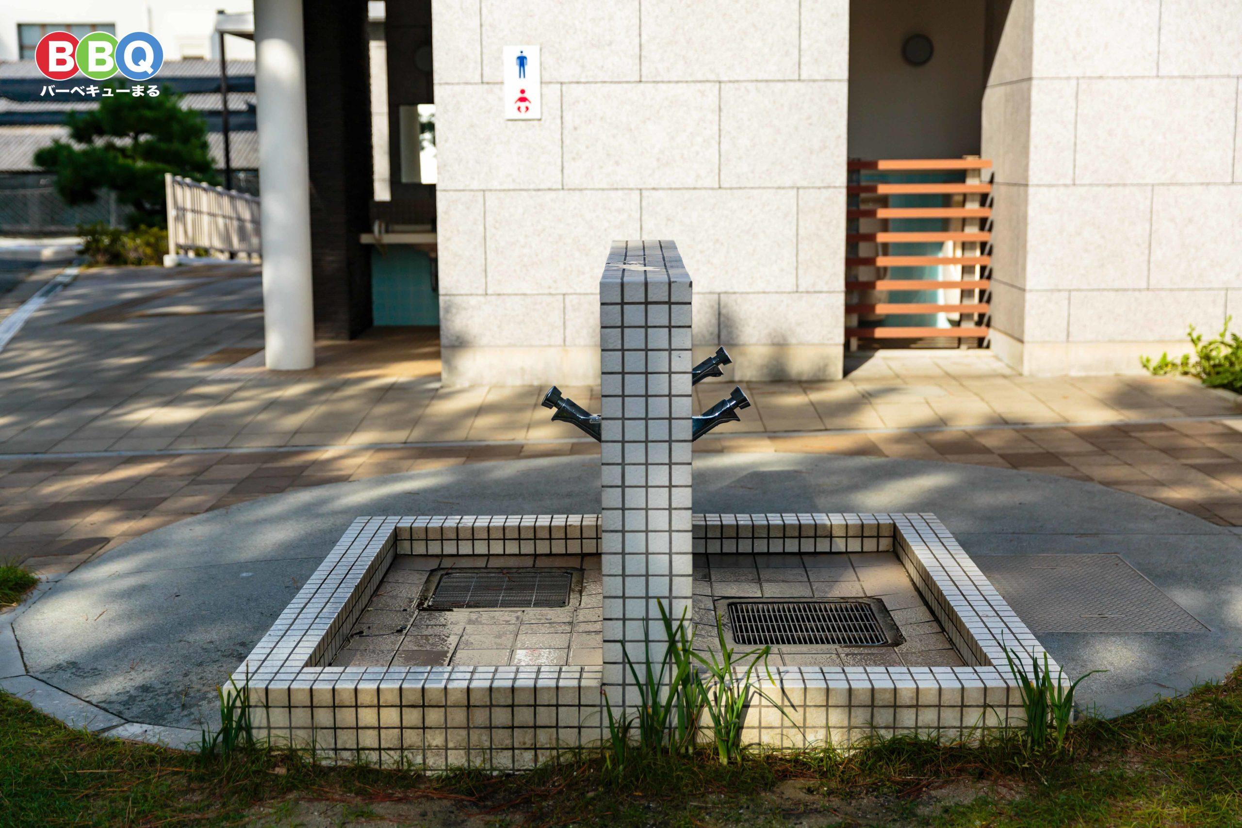 林崎松江海岸の東側の水道